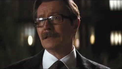 蝙蝠侠:韦恩不让拜访,竟躲在房间不出来!