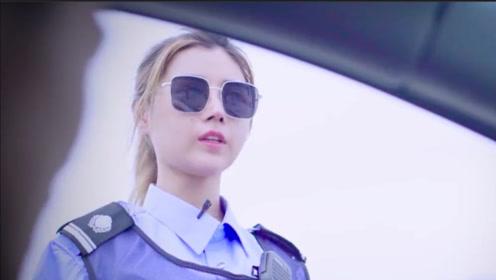 男司机问交警几句话,这个问题吓女交警一跳!
