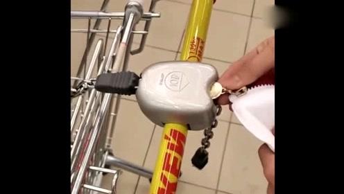 去超市忘带硬币,于是想出这一招,眼前一幕大开眼界啊!