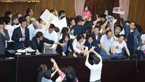 台湾爆发激烈冲突,局势紧张现场惊心动魄,目前处于暂时休兵状态