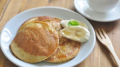 香蕉松饼作为父亲节的早餐,好吃的同时不忘记父爱