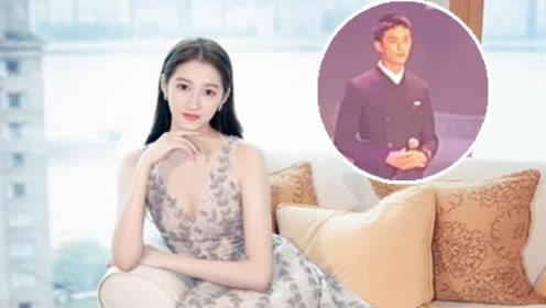 关晓彤吴磊北电文艺演出同台 两人合唱红歌男帅女美