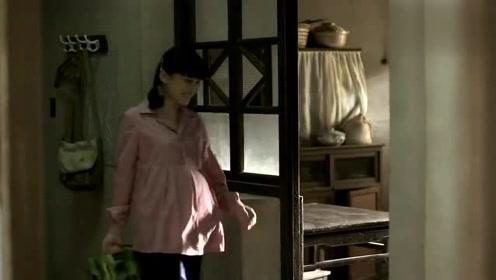 父母爱情安杰回家跟老丁打招呼,看到老丁扮相,安杰差点没笑抽