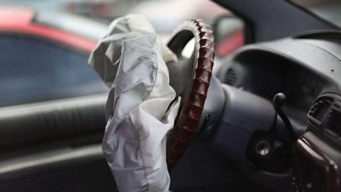 汽车安全气囊弹出,复原需要多少钱?维修工:保命的都贵!