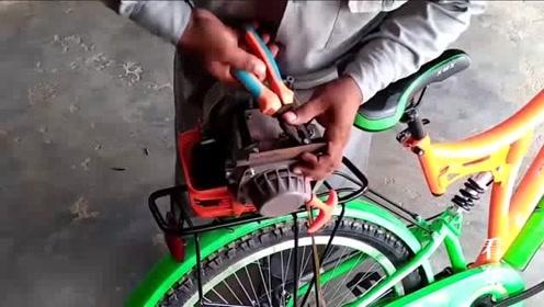 大叔在自行车后座加装汽油机,看到用处我都服了,这脑洞真够大的