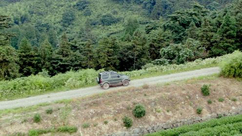 不喜欢单调乏味的生活 开吉姆尼越野到山顶吃火锅