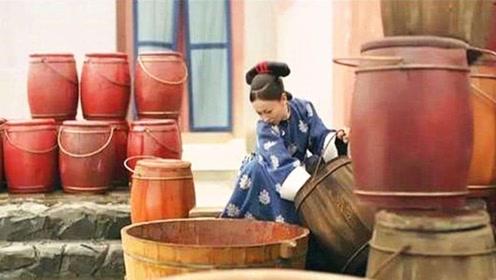 古代没有马桶,皇帝是怎么上厕所的?原来用的是这个!