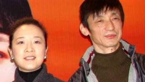 51岁陈小艺近照,丑老公捧红了张嘉译,19岁儿子帅到逆天