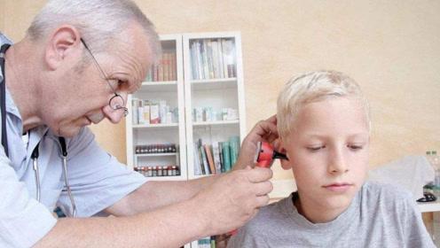 哪些因素最易诱发中耳炎出现?擤鼻子也可能?