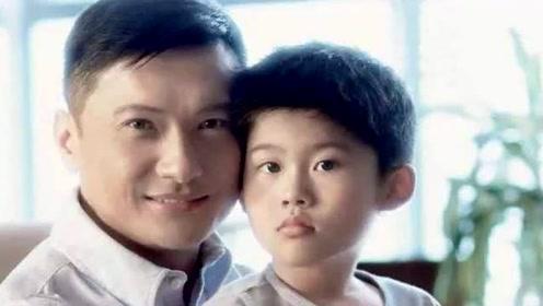 当红时为自闭症儿子退娱乐圈,三年教他如厕,如今儿子成学霸