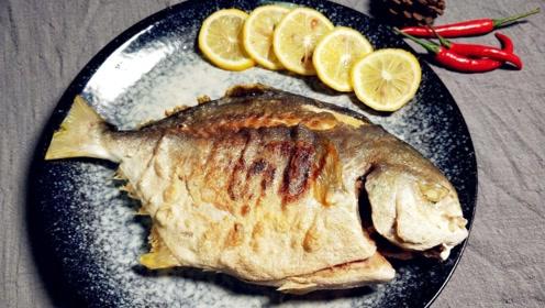 被鱼刺卡住喉咙,不要再喝醋了,试试这个安全有效的方法!