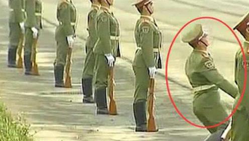 中国阅兵式唯一的失误,不料被现场直播后,却赢得全世界的掌声!