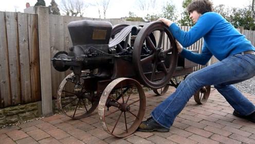 小伙收藏一台100年前的发动机,转圈打火启动,声音挺顺耳!