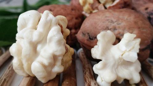 立秋鲜核桃连皮一起吃,保护心血管还营养