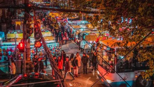 武汉最大的夜市,物种齐全,各类廉价商品吸引了无数游客