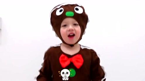 萌娃们进行了一场有趣的变装秀,小家伙的这身衣服真是萌萌哒!