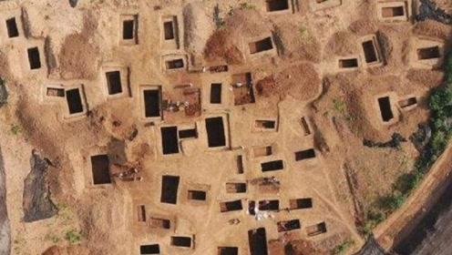 """河南一小山村,70岁""""考古专家""""现场指点盗墓,全村人集体暴富"""