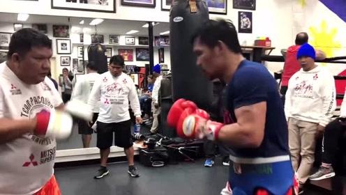 拳王身体素质有多强?帕奎奥每天这么训练,能看出这个人40多吗