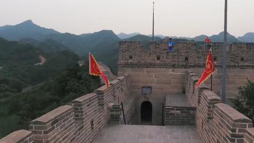 长城的尽头是什么样?老外好奇跑过去,看完直呼:中国人真聪明!