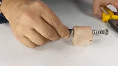 原来电钻稍微改造一下,功能超乎你想象,这样的发明太实用