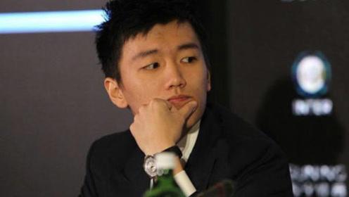 他果断拒绝了奶茶妹,老爸是刘强东最大对手,如今坐拥千亿帝国!