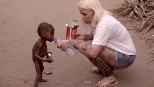 6年前非洲的讨水小男孩,如今过得怎么样?真相惊呆众人!