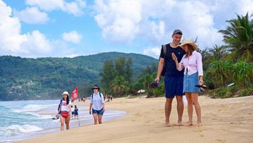 泰国普吉岛的沙滩,很少看到中国人,大多都是欧美人在晒太阳