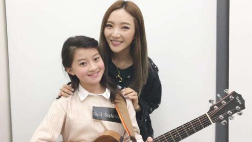13岁泰国天才少女Gail,演唱《飘向北方》,网友:回味无穷