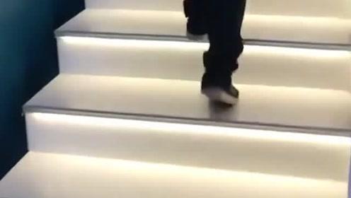 贫穷限制了我的想象,第一次见这样的楼梯,真是开眼了!