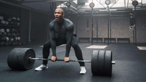 健身圈的力量健将!挑战一分钟相扑硬拉,总重量超一万公斤!