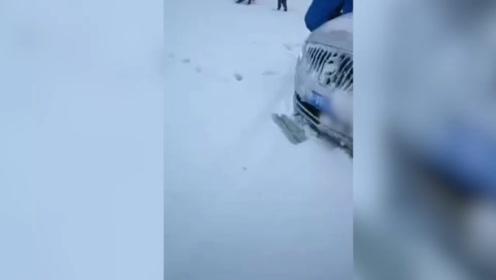 新疆伊犁九月降雪一秒入冬 气温降至零下3度