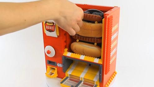 小哥用乐高做早餐贩卖机,面包烤肠一应俱全,收钱的部分简直亮了
