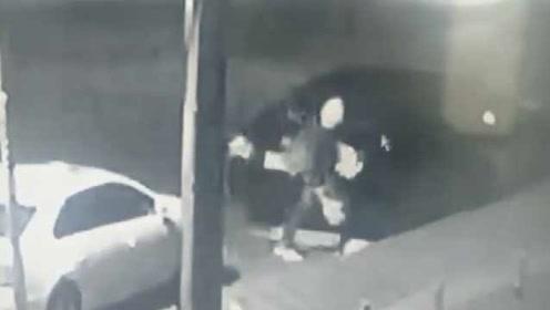 无业男连砸100多辆车盗窃6000元:媳妇闹离婚跟我要2万