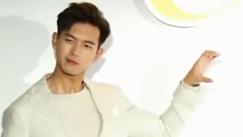 肖战粉丝叫小飞侠,王俊凯粉丝叫小螃蟹,李现粉丝太可爱!