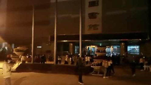 甘肃张掖发生5.0级地震,高校学生狂奔下楼避险