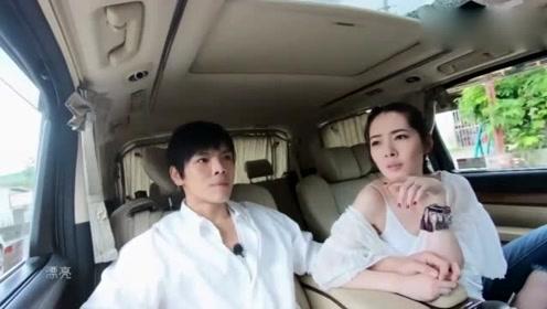 郭碧婷和向佐乘车,看到她坐的方式,网友:结了婚果然不一样