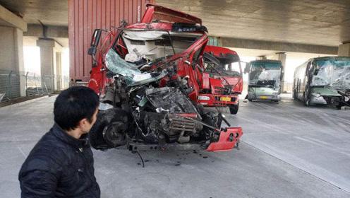 """货车发生""""事故""""时,为什么宁愿直接""""撞""""过去,也不肯转弯?"""