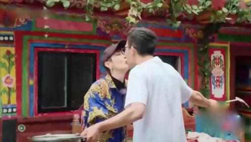 吴刚儿子1年级就寄宿,妈妈岳秀清和23岁儿子嘴对嘴亲吻引争议