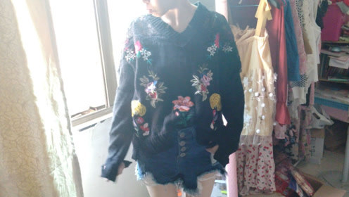 新买的毛衣穿上显胖怎么办,这样改一下显瘦又时尚,比原来还漂亮