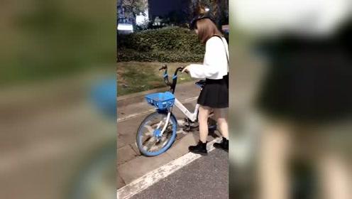小姐姐好乖巧,按图停车