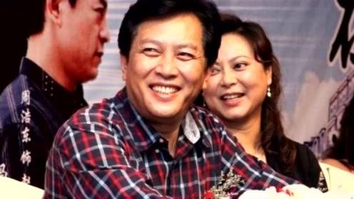 67岁唐国强小12岁妻子近照曝光,婚后26年依旧甜蜜如初恋