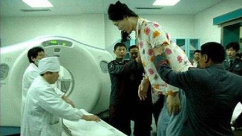 中国第一女巨人,身高2.32米,比姚明还高,现在过得怎么样?