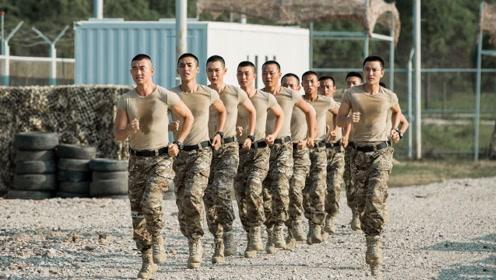 用《荣耀的战场》打开《空降利刃》:空降男团,C位出道