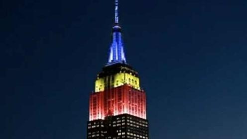 帝国大厦灯光秀纪念《老友记》25周年,红黄蓝灯光演绎主题曲
