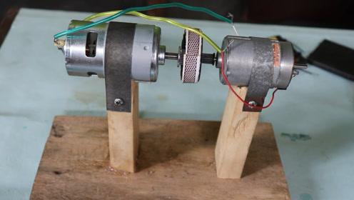 两个小电机这样接,互相利用还能发电,真的太实用了