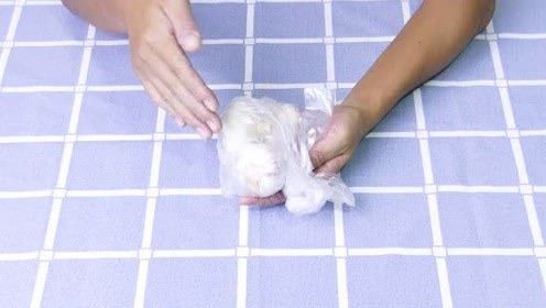 大蒜买来不要放冰箱,用这个方法保存,2个月都不会干瘪