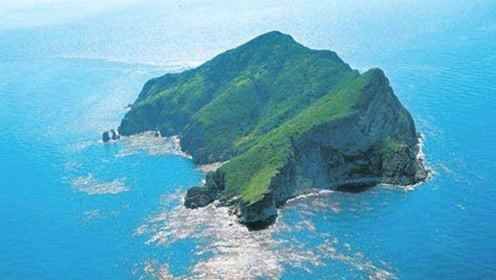 世界上最恐怖的小岛毒蛇遍地 禁止人类登岛却吸引无数盗猎者