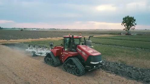 这地有多硬,580马力的拖拉机只能拉5铧犁