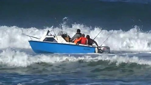 这才是真正的钓鱼人,只是出师不利而已,惹得岸边人都在看笑话