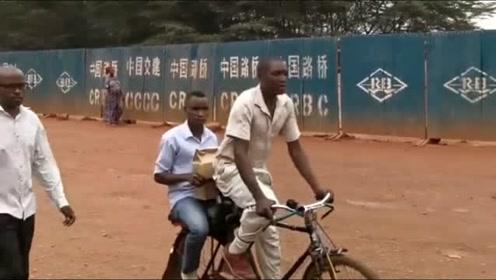 非洲卢旺达,中国路桥,修了现有公路的百分之七十